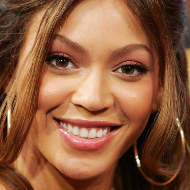 Top 16 mỹ nhân sở hữu đôi môi căng mọng gợi cảm nhất Hollywood hiện nay - Ảnh 11.