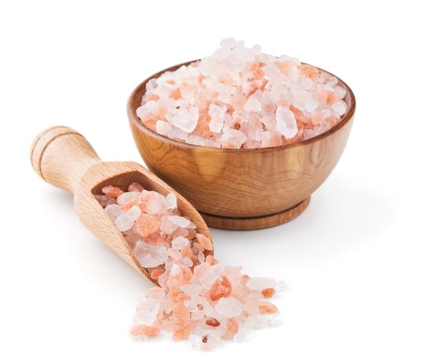 Nghe tin muối hồng Himalaya 250 triệu năm tuổi có ích lắm, chúng tôi đã mua ngay về dùng thử xem như thế nào... - Ảnh 2.