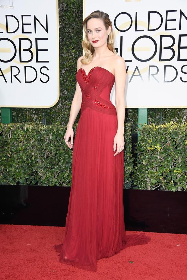 Thảm đỏ Quả Cầu Vàng 2017: Lily Collins đẹp như công chúa, đánh bật dàn Hoa hậu, mỹ nhân Hollywood - Ảnh 33.