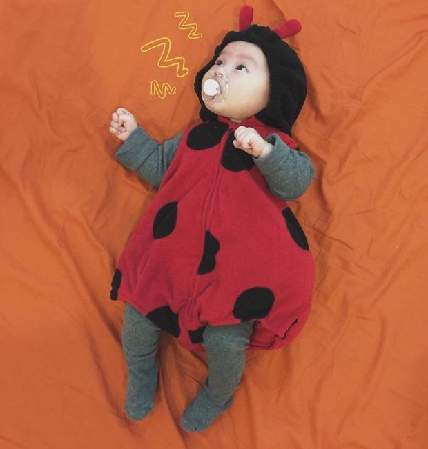 Ai cũng muốn có con gái như Heo Mi nhon: Thấy mẹ kêu đau bụng khóc òa lên nhưng rồi mải chơi lại... quên mất - Ảnh 10.