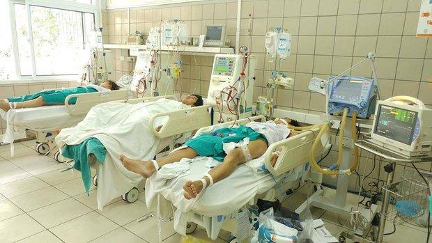 Hà Nội: Một người đàn ông ở phố Vọng tử vong do ngộ độc rượu methanol - Ảnh 1.