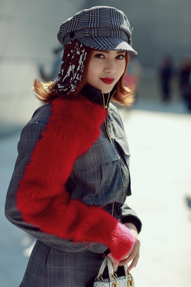 Ninh Dương Lan Ngọc quái đến không nhận ra, Hoa hậu Jolie Nguyễn sexy tại Seoul Fashion Week - Ảnh 2.