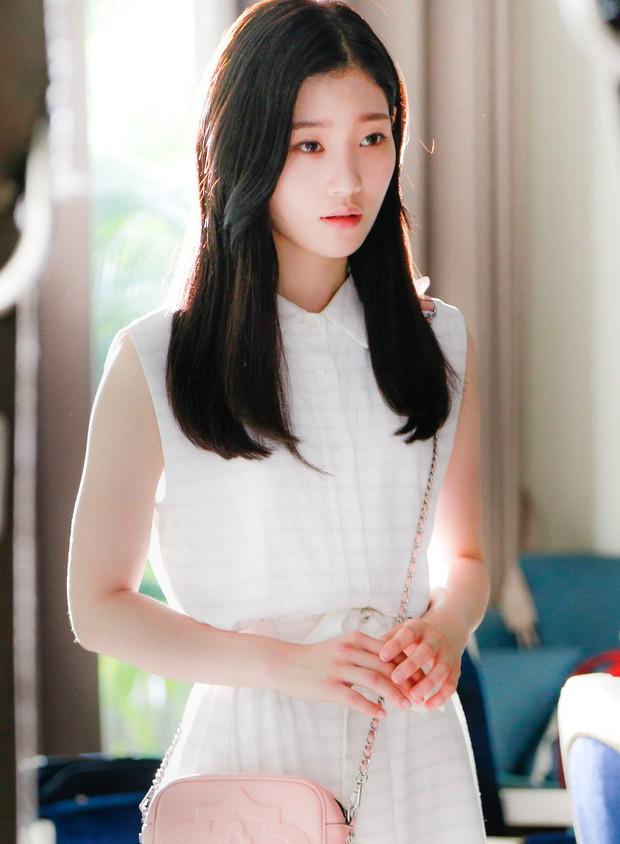 Chi Pu đóng vai nhạc sĩ, cặp kè người tình MV Jin Ju Hyung trpong phim điện ảnh Việt - Hàn - Ảnh 7.