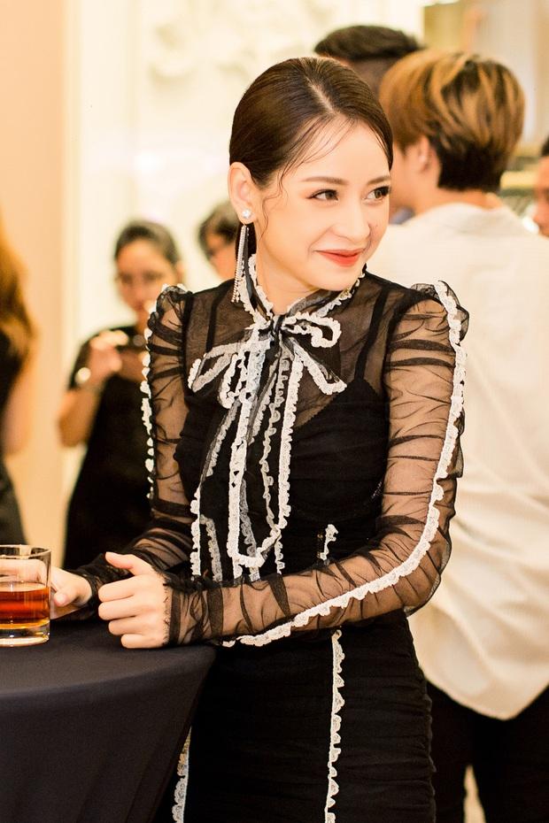 Chi Pu và Phí Phương Anh cùng đọ sắc với tông đen ở sự kiện thời trang, ai mặc đẹp hơn? - Ảnh 2.