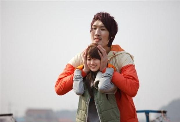 Sau dáng con tôm, netizen tiếp tục sốt xình xịch với tư thế còn bá đạo hơn bắt nguồn từ Suzy - Ảnh 9.