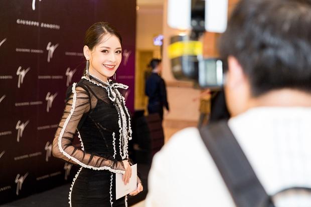 Chi Pu và Phí Phương Anh cùng đọ sắc với tông đen ở sự kiện thời trang, ai mặc đẹp hơn? - Ảnh 3.