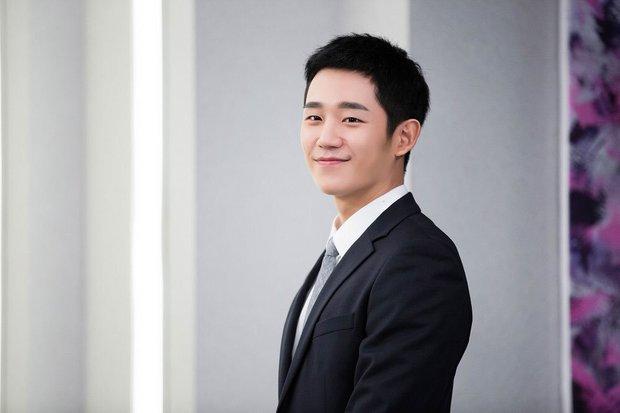 """Ngoài Lee Jong Suk, còn có 5 trai đẹp làm nên sức hút của """"Khi Nàng Say Giấc"""" - Ảnh 2."""