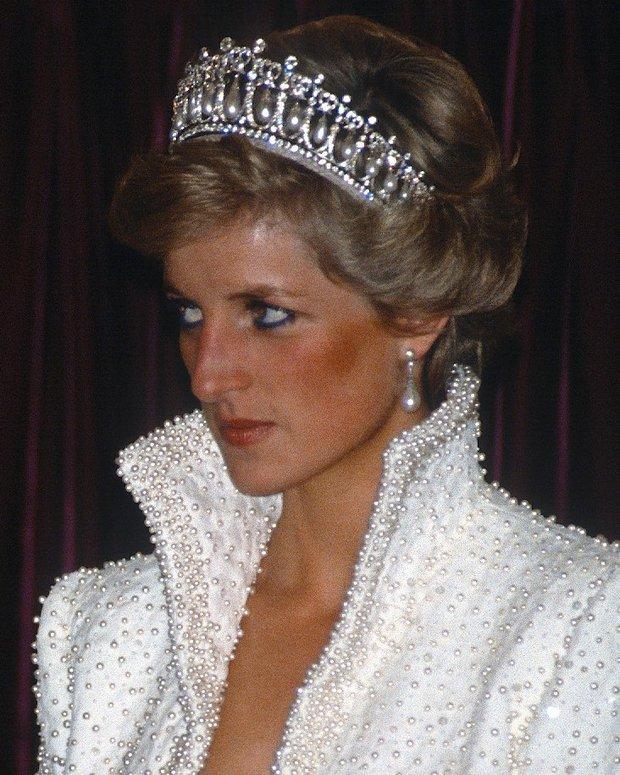 Thú vị: không phải đen hay nâu, công nương Diana chỉ trung thành với đường kẻ mắt màu xanh dương - Ảnh 9.