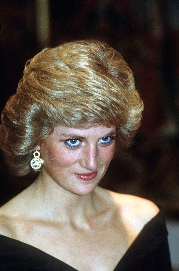 Thú vị: không phải đen hay nâu, công nương Diana chỉ trung thành với đường kẻ mắt màu xanh dương - Ảnh 5.