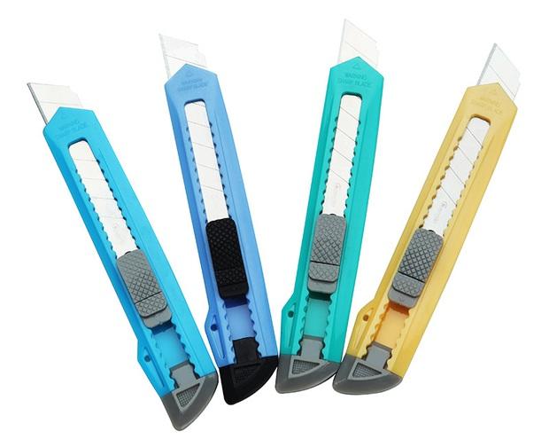 Hoá ra lâu nay chúng ta đều sử dụng dao rọc giấy sai cách và lãng phí vì không biết mẹo này - Ảnh 2.