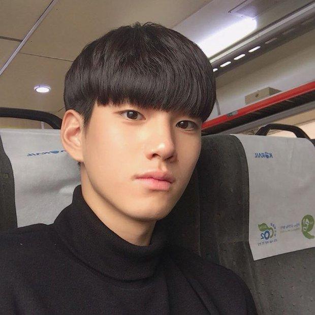 VĐV bóng chuyền thôi mà, đâu nhất thiết phải đẹp trai như Kim Soo Hyun thế này hả trời! - Ảnh 4.