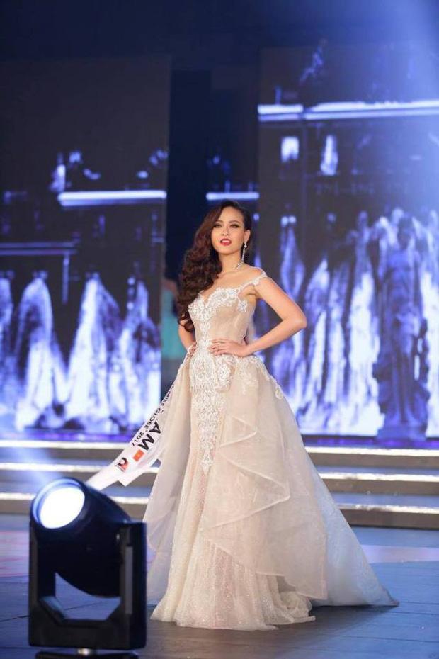 Khánh Ngân xuất sắc vượt qua 61 đối thủ đăng quang Miss Globe (Hoa hậu Hoàn cầu 2017) - Ảnh 4.
