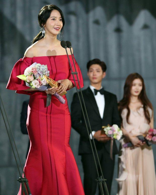 Baeksang đã kết thúc nhiều ngày, fan vẫn đau đầu vì không chọn nổi Yoona hay các mỹ nhân này đẹp hơn - Ảnh 8.