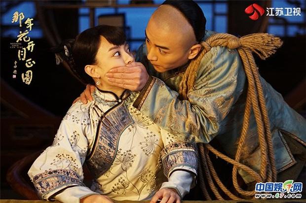 Dù chỉ là nam phụ, Hà Nhuận Đông vẫn lấn lướt Trần Hiểu trong Năm Ấy Hoa Nở Trăng Vừa Tròn - Ảnh 2.