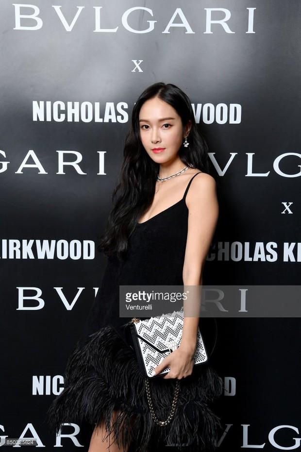 Jessica - nữ hoàng sang chảnh lừng danh xứ Hàn có lép vế khi đứng bên siêu mẫu quốc tế Bella Hadid? - Ảnh 2.