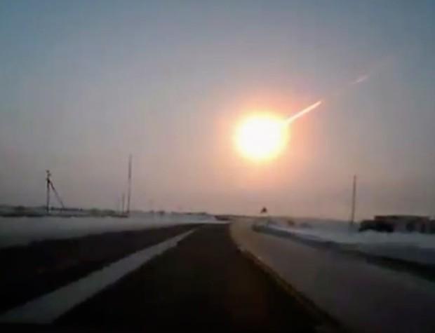 Viên thiên thạch này mới sượt qua Trái đất và đó là một tin cực kì không ổn - Ảnh 3.