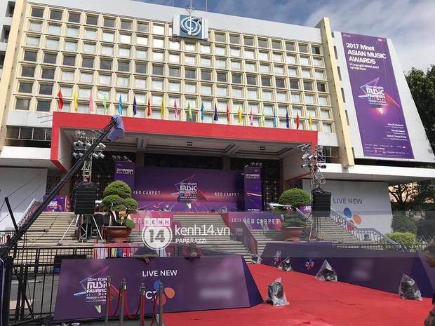 1 ngày trước MAMA 2017 tại Việt Nam: Nhà hát Hòa Bình đã được trải thảm đỏ, an ninh thắt chặt - Ảnh 7.