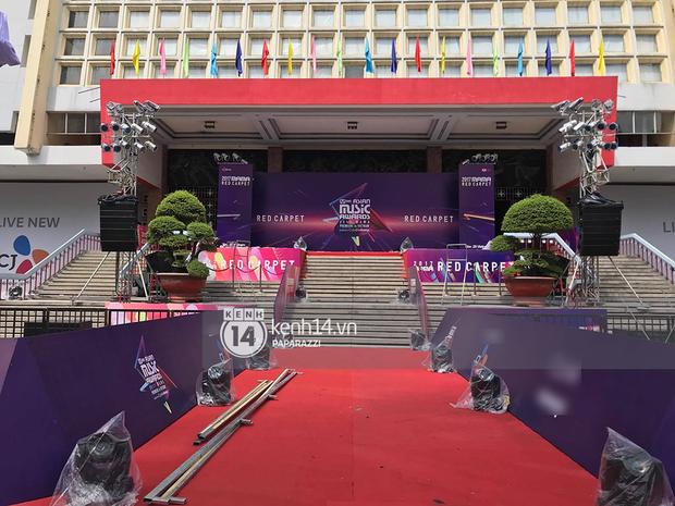 1 ngày trước MAMA 2017 tại Việt Nam: Nhà hát Hòa Bình đã được trải thảm đỏ, an ninh thắt chặt - Ảnh 8.