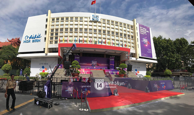 1 ngày trước MAMA 2017 tại Việt Nam: Nhà hát Hòa Bình đã được trải thảm đỏ, an ninh thắt chặt - Ảnh 6.