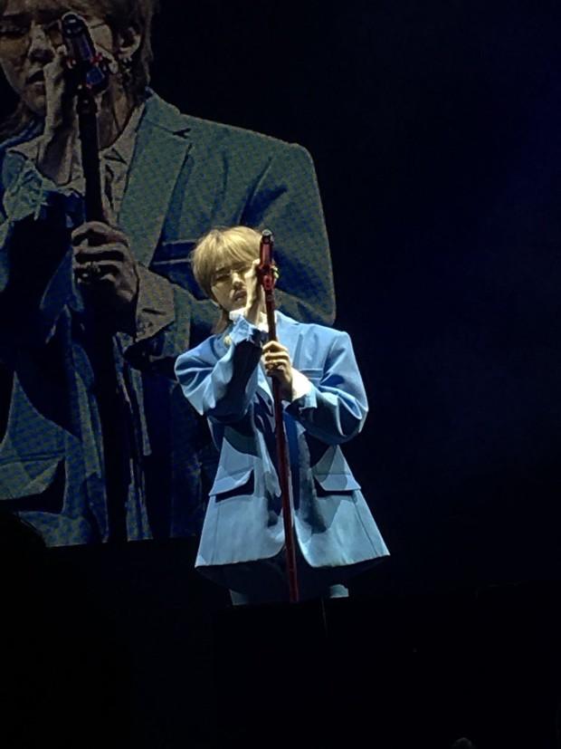 Vợ chồng Song Joong Ki và Song Hye Kyo cười tươi rói, mùi mẫn rủ nhau đến xem concert của IU - Ảnh 8.