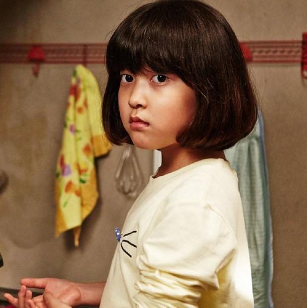 Thiên thần nhí Dream High không còn là cô bé ngày xưa mà tự tin bước trên thảm đỏ Cannes - Ảnh 4.