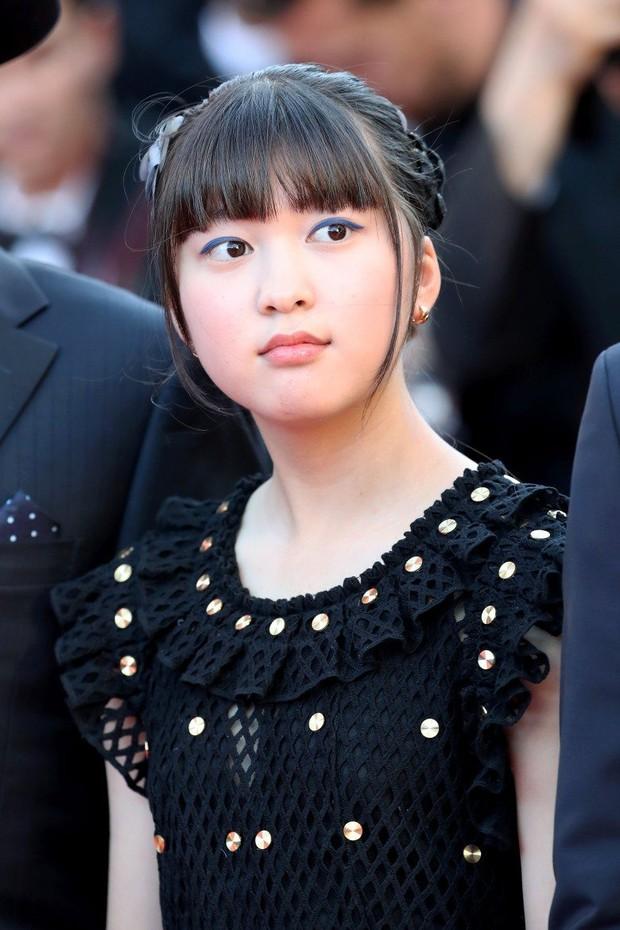 Thiên thần nhí Dream High không còn là cô bé ngày xưa mà tự tin bước trên thảm đỏ Cannes - Ảnh 7.