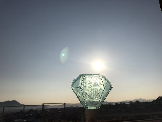 Mặt trăng xanh ngọc trong ngày tiễn đưa Jonghyun sự thực là hiện tượng gì? - Ảnh 2.
