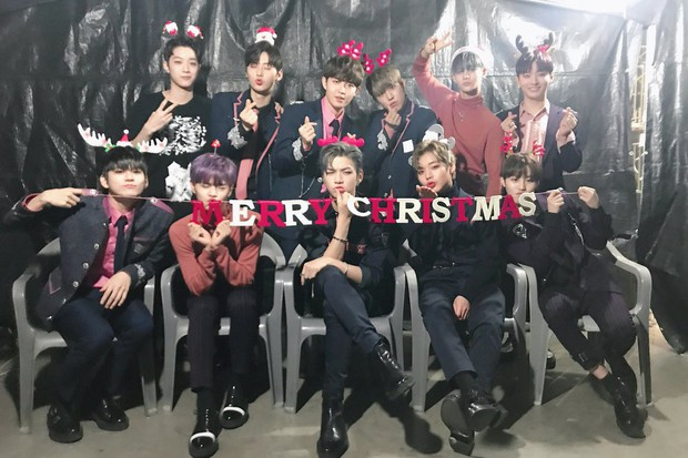 Sao Hàn và Thái đón Giáng Sinh: Wanna One, Big Bang mừng lễ trên sân khấu, Seventeen và NUEST bê than làm từ thiện - Ảnh 1.