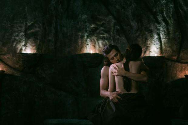 """Tố My ngại ngùng khi lần đầu đóng """"cảnh nóng"""" trong MV bolero cổ trang - Ảnh 2."""