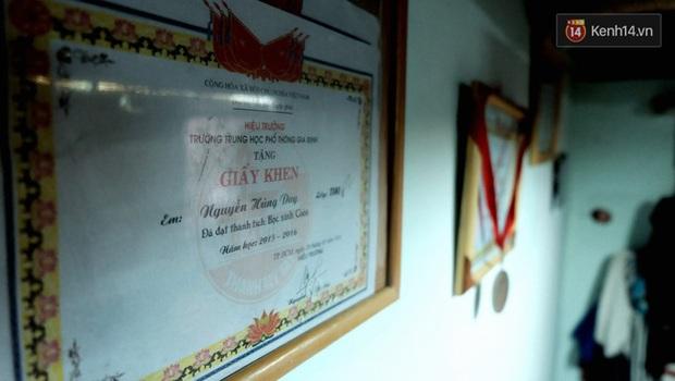 Cậu học trò nghèo giúp mẹ nhặt ve chai ở Sài Gòn đạt 9.6 điểm Toán trong kỳ thi THPT Quốc gia - Ảnh 5.