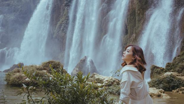 Phong cảnh núi rừng Đông Bắc hùng vĩ, đẹp khó cưỡng trong MV mới hoành tráng của Bích Phương - Ảnh 14.