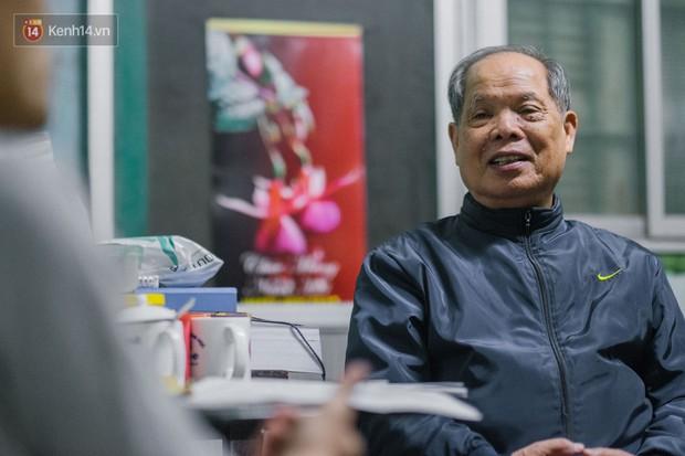 PGS.TS Bùi Hiền nói về đề xuất cải tiến tiếng Việt bị ném đá: Họ dùng chính chữ của tôi để chửi tôi, chứng tỏ chữ này rất nhạy, rất nhanh vào đầu! - Ảnh 10.