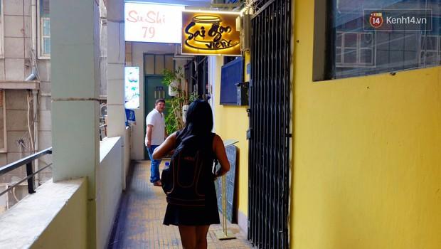 Các cửa hàng ở chung cư 42 Nguyễn Huệ nếu bị buộc phải đóng cửa, giới trẻ Sài Gòn lại mất một điểm vui chơi - Ảnh 9.