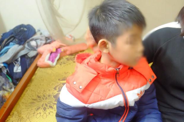 Hà Nội: Bố ruột dùng dây điện đánh đập con trai 9 tuổi dã man, mẹ đau đớn cầu cứu công an - Ảnh 6.