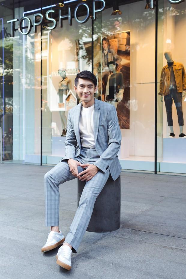 Học cách biến hóa cùng chàng dancer Quang Đăng với những bộ suit Topman - Ảnh 3.