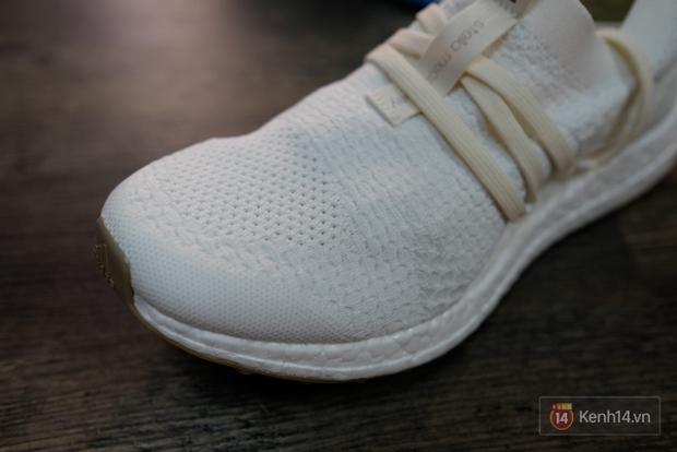 Review cận cảnh đôi adidas làm từ rác thải đại dương đã có mặt tại Việt Nam: đẹp - nhẹ và đế ngoài siêu bền - Ảnh 13.