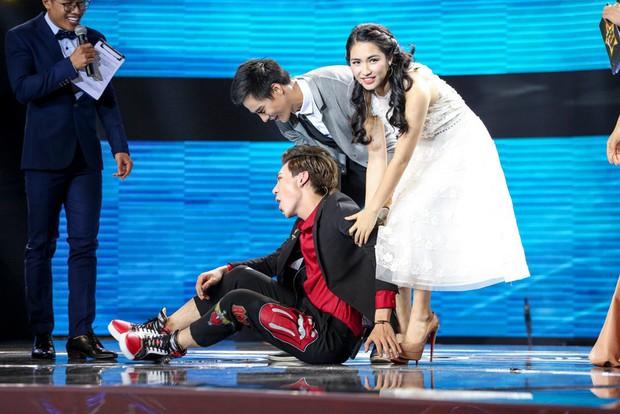 Cặp đôi hoàn hảo: Erik nằm vật ra sân khấu ăn vạ vì mất trai đẹp vào tay Hòa Minzy - Ảnh 4.