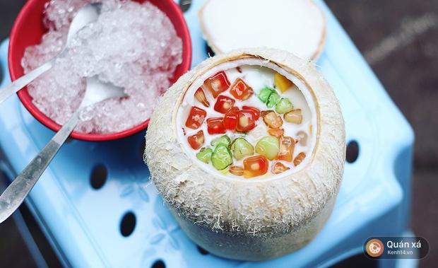 2 món ăn trong quả dừa đang cực hot ở Hà Nội bạn nhất định phải thử - Ảnh 8.