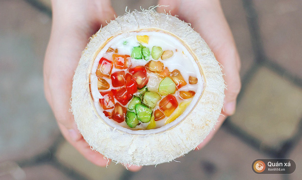 2 món ăn trong quả dừa đang cực hot ở Hà Nội bạn nhất định phải thử - Ảnh 9.