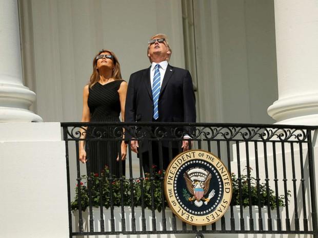 Ngay cả Tổng thống Mỹ Donald Trump cũng hào hứng xem nhật thực toàn phần xuất sắc nhất thế kỷ đêm qua - Ảnh 15.