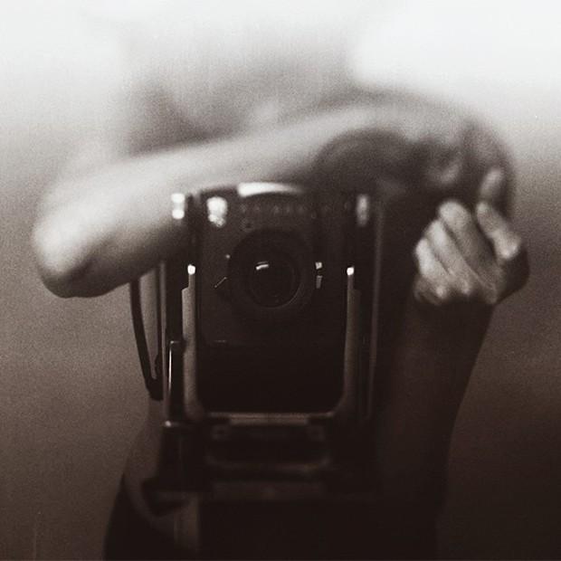 Large Format:  Ông tổ của ngành nhiếp ảnh hiện đại và những tấm ảnh có thể to như bức tranh treo tường - Ảnh 2.
