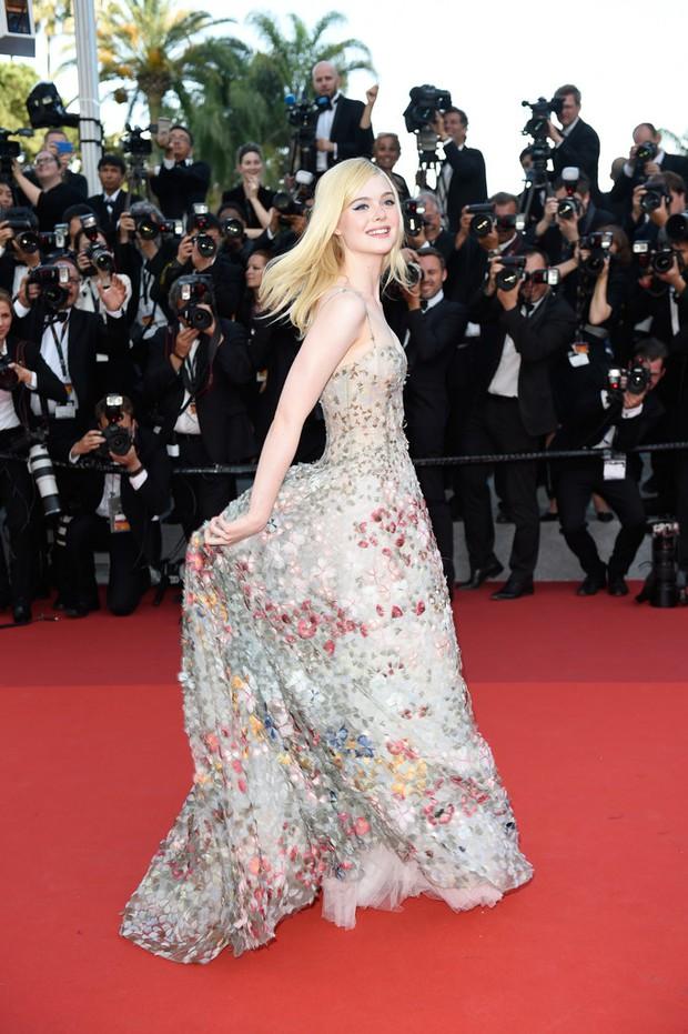 Phạm Băng Băng gây thất vọng, bị Elle Fanning dìm hàng toàn tập tại Cannes! - Ảnh 8.