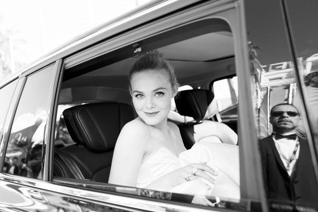 Tiên nữ giáng trần là câu miêu tả chính xác Elle Fanning tại LHP Cannes các năm! - Ảnh 24.