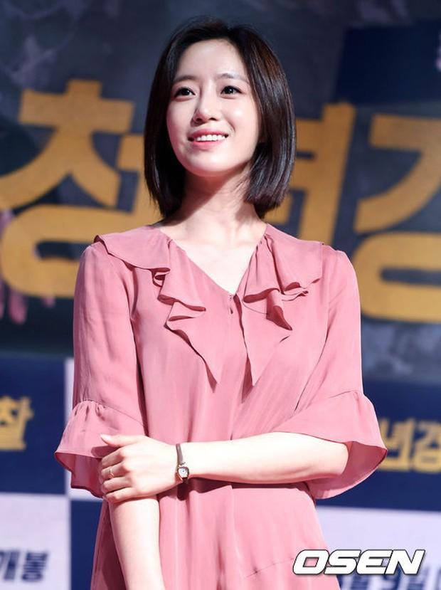Sự kiện tề tựu binh đoàn trai xinh gái đẹp hot nhất xứ Hàn: Nhan sắc kém nổi bỗng lên hương - Ảnh 5.