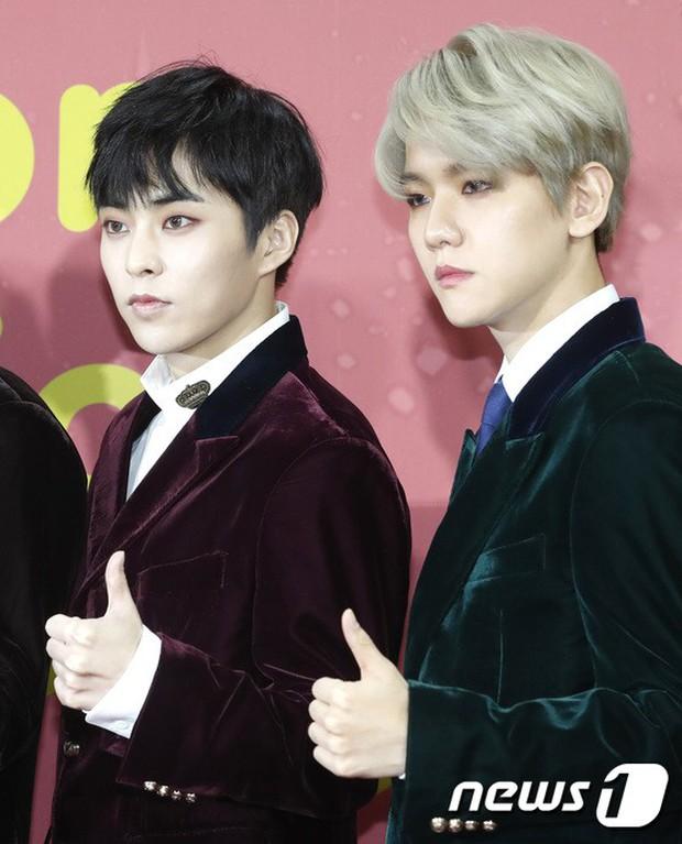 Thảm đỏ Melon: Mỹ nhân ngực khủng vô danh át cả Kim So Hyun, TWICE, EXO và Wanna One đẹp trai như hoàng tử - Ảnh 28.