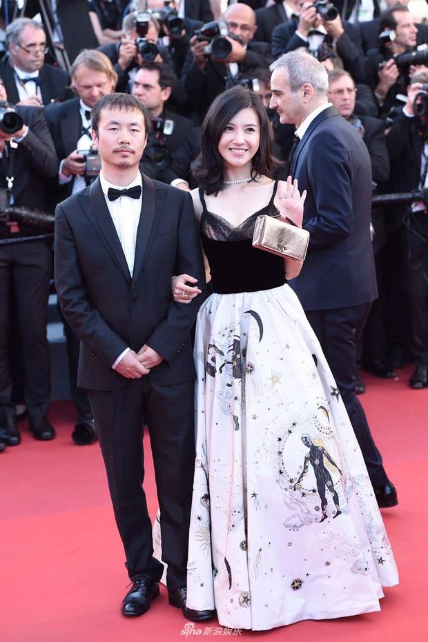 Thảm đỏ LHP Cannes: Phạm Băng Băng lộng lẫy như nữ hoàng, quyết cân dàn mỹ nhân quốc tế - Ảnh 13.