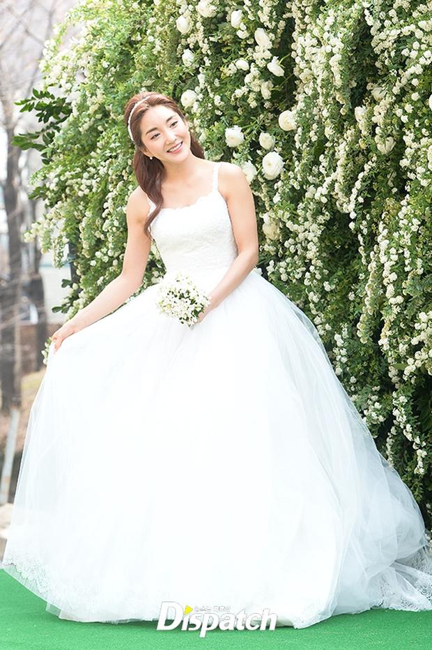Hôn lễ đẹp nhất xứ Hàn: S.E.S tái hợp, chủ tịch SM Lee Soo Man cùng dàn sao khủng xuất hiện - Ảnh 3.