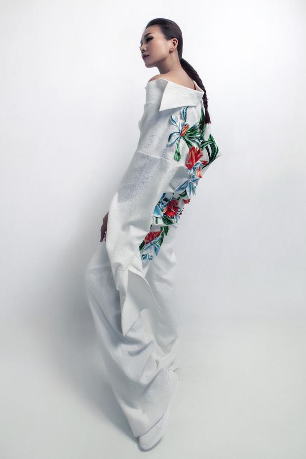Siêu mẫu Thanh Hằng làm vedette cho BST diễn tại Tokyo Fashion Week của NTK Công Trí - Ảnh 3.