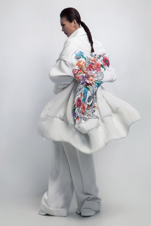 Siêu mẫu Thanh Hằng làm vedette cho BST diễn tại Tokyo Fashion Week của NTK Công Trí - Ảnh 6.