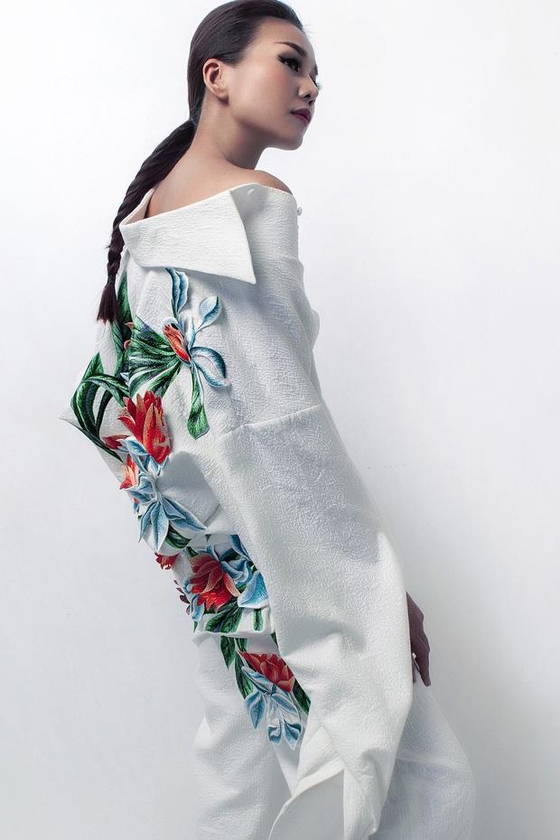 Siêu mẫu Thanh Hằng làm vedette cho BST diễn tại Tokyo Fashion Week của NTK Công Trí - Ảnh 13.